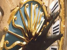Restauration du cadran de l'horloge de la Chambre de Commerce de Lille.